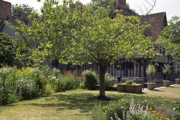 Hall's Croft viewed from the garden. Halls Croft was home to William Shakespeare's daughter and husband Dr Hall. The town house in located in Stratford Upon Avon