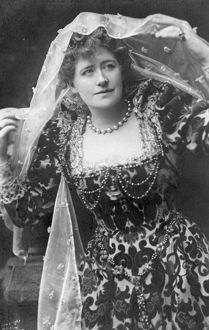 Ellen Terry as Beatrice, 1882